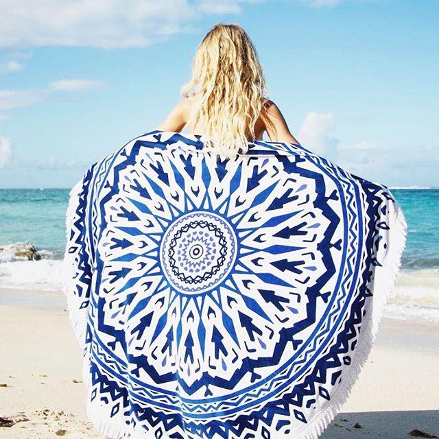 TENDANCE PLAGE : La serviette ronde ! (  code promo) | BY EMY