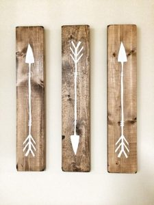 trois tableaux flèche bois